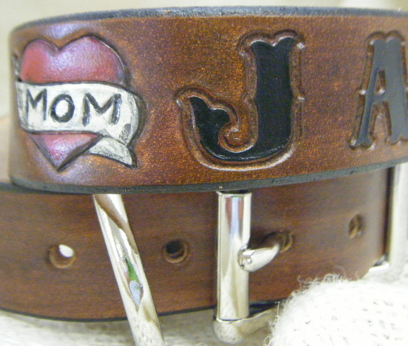 tattoo mom heart collar